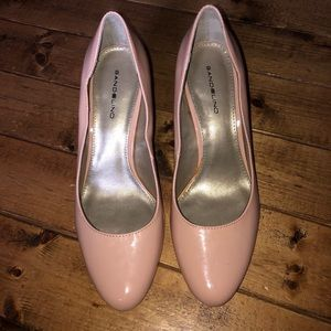 BANDOLINO Cheers Pink Faux Leather Pumps 8.5M